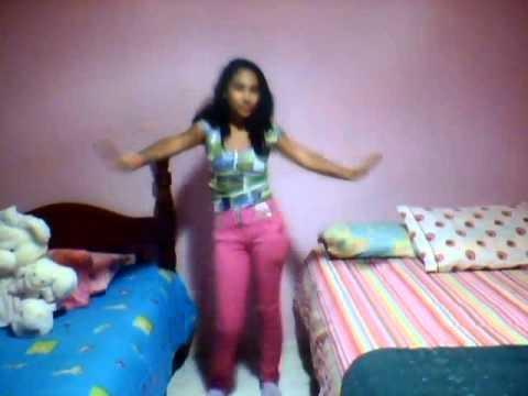 Niña de 13 años baila Love Me de Justin Bieber!