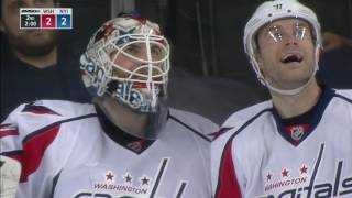 Holtby laughs off terrible misplay that almost leads to a goal