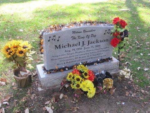 Akhirnya Terungkap! Selama Ini Michael Jackson Tak Pernah Ada Dalam Makamnya .