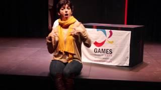 Emmanuelle Laborit directrice d'International Visual Theatre, soutient Paris 2018