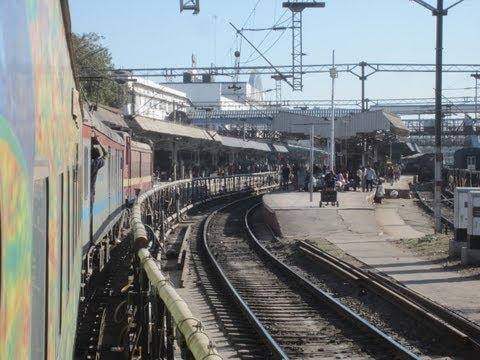 New Delhi Mumbai Duronto Express: Major Station Skips and High Speed Action