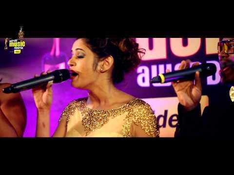 """Shalmali Kholgade sings Lat Lag Gayi in """"A Cappella"""" style at #MMAwards Red Carpet"""