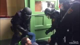 Mossos d'esquadra, bomberos y ciudadanos Vs Policía Nacional