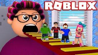 FUJA DA VOVÓ SUPER PERIGOSA no ROBLOX!!! (Escape Grandmas House Obby)
