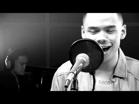 Man In The Mirror by Michael Jackson - Cover by Teza Sumendra (Live at #CU)