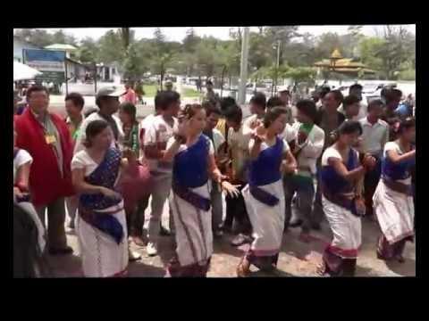 MISHING  TRIBE GIRLS  DANCE  IN  ARUNACHAL INDIA