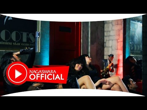 Zaskia Gotik - Sisa Semalam - Official Music Video - NAGASWARA Mp3