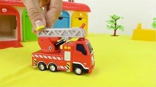 Carros - Camión de bomberos - Coche de policía - Ambulancia - Grúa