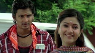 Jiiva Befriends Poonam Bajwa - Thenavattu