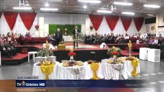 Pastor Reuel Bernardino, presidente do Gideões, foi desmascarado no altar.