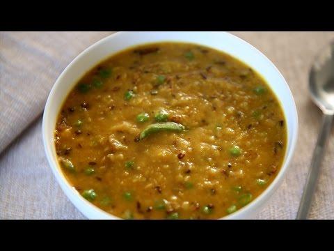 Bhaja Muger Dal Recipe | Popular Bengali Style Moong Dal ...