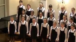 Djevojački zbor Mozartine - B. Britten: This Little Babe