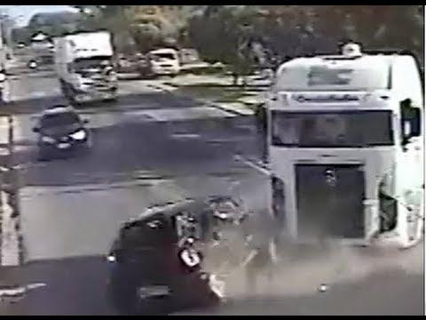 Vídeos chocantes de acidentes na Fernandes Lima