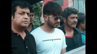 ভারতীয়  ছবি ঠেকাতে রাস্তায় নামলেন শাকিব খান  |   Shakib Khan , Omar Sani & Amit Hasan 2016