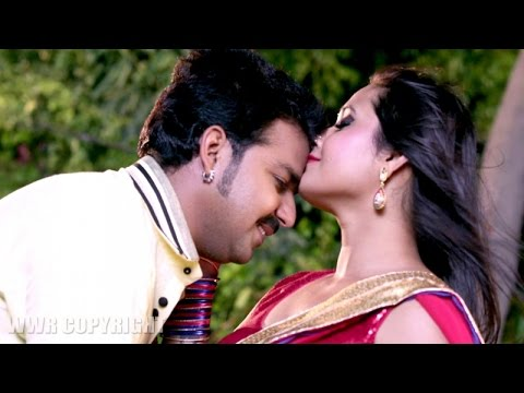Pawan Singh & Kajal Raghwani Romantic moment