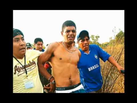 Brasileiros acusados de assassinatos são queimados vivos por multidão na Bolívia.