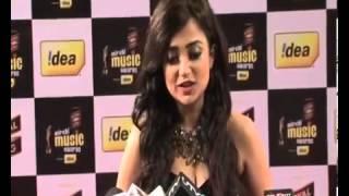 Monali looks hot at Mirchi music awards