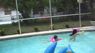 Ga swimming ang mga bata