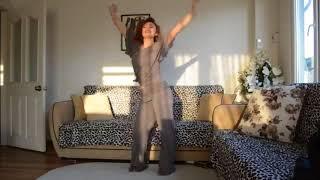 رقص منزلي من بنت قمر   9
