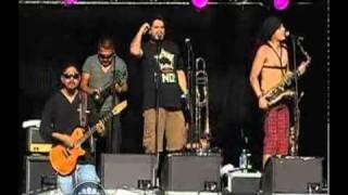 Presentación - Panteón Rococó en el Vive Latino 2010 - Cumbia del olvido
