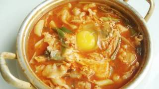Sujebi (hand-torn noodle soup:수제비)