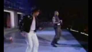 Usher Vs. Michael Jackson - Robot Dance Moves