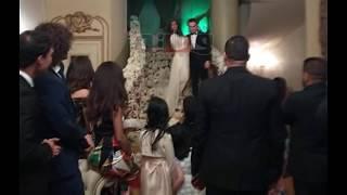 قُبلة مفاجئة من شيرين عبد الوهاب لحسام حبيب خلال حفل عشاء في لندن