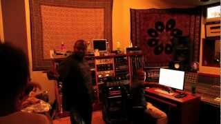 Hanging w/ super producer Damon Elliott