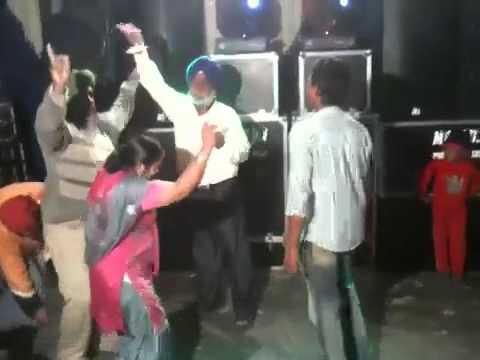 Punjabi desi dance