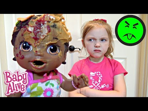 BABY ALIVE makes a MESS! FUN and FAILS! The Lilly and Mommy Show. The TOYTASTIC Sisters. FUNNY SKIT