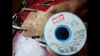 macete  para soldar  componentes eletrônicos