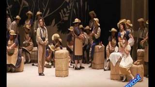 L'ELISIR D'AMORE di G Donizetti  Teatro Pergolesi - 23 ottobre 2011