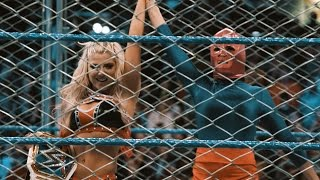 Alexa Bliss vs. Becky Lynch Cage Match in slow motion