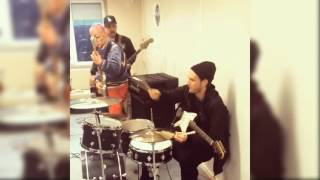 Red Hot Chili Peppers - Go Robot (Josh on Drums!)