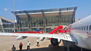 SpiceJet B737 Mangalore-Mumbai Flight Experience | Landing, Takeoff, Etc.