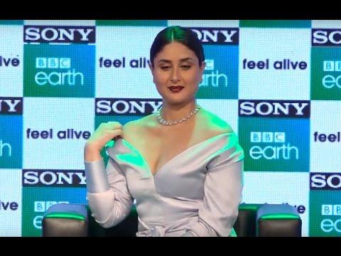 Xxx Mp4 Kareena Kapoor Khan ADJUSTS SLIPPING DRESS Video 3gp Sex