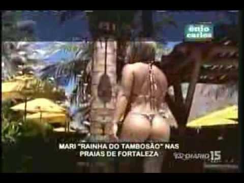 Enio Carlos 24 06 13 Um pedaçinho de Mari na praia e piscina