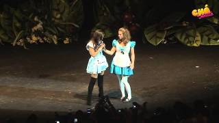 Anitta tem a roupa arrancada durante o show @ Chá da Anitta 2 - Pheeno TV