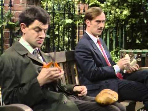 Mr Bean - swimming pool, cinema and lunch - Jaś Fasola na basenie, w kinie i w ogrodzie na lunchu