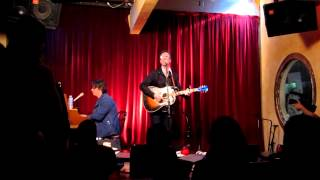 Dan Wilson - Treacherous (Live at Room 5)