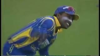 Shahid Afridi BOOM BOOM style sixes