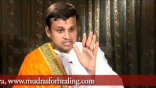 Yoga Mudra for Arthritis & Joint Pain by Acharya Vikrmaditya Acharya Keshav Dev