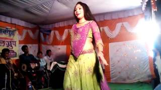 Gore badan pe yaar kurti kasi kasi_ Stage show_ so cute girl