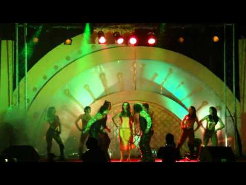 Preety Bhalla Singing Kajra re....