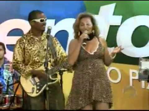 Banda Dom Breguete e Nayra Lima fecham Talentos ao ritmo de brega 01