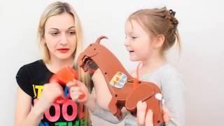 Joc Catelusul DOGGIE DOO prinde RAHATUL cu lopata CHALLENGE pentru FAMILIE POOPING DOG GROSS Game