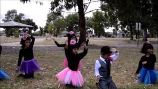 Kids Christmas Dance