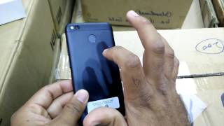 Hindi | Xiaomi Redmi 4X Black Unboxing In Mi Store Dubai 16GB 2GB Ram Available In Dubai 8000 Rupees