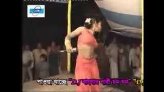 stage show bangla song churi poresi ami hatere