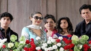 Shahrukh Khan & Gauri Khan's SPECIAL EID party